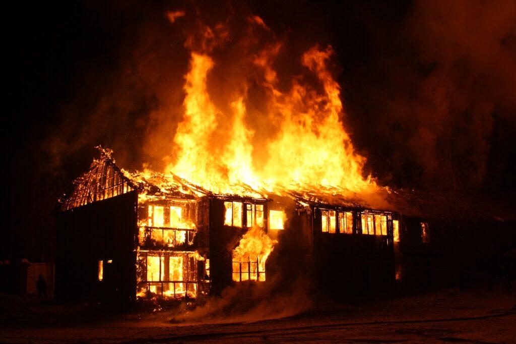 brandschutz gefahren feuer brände 05
