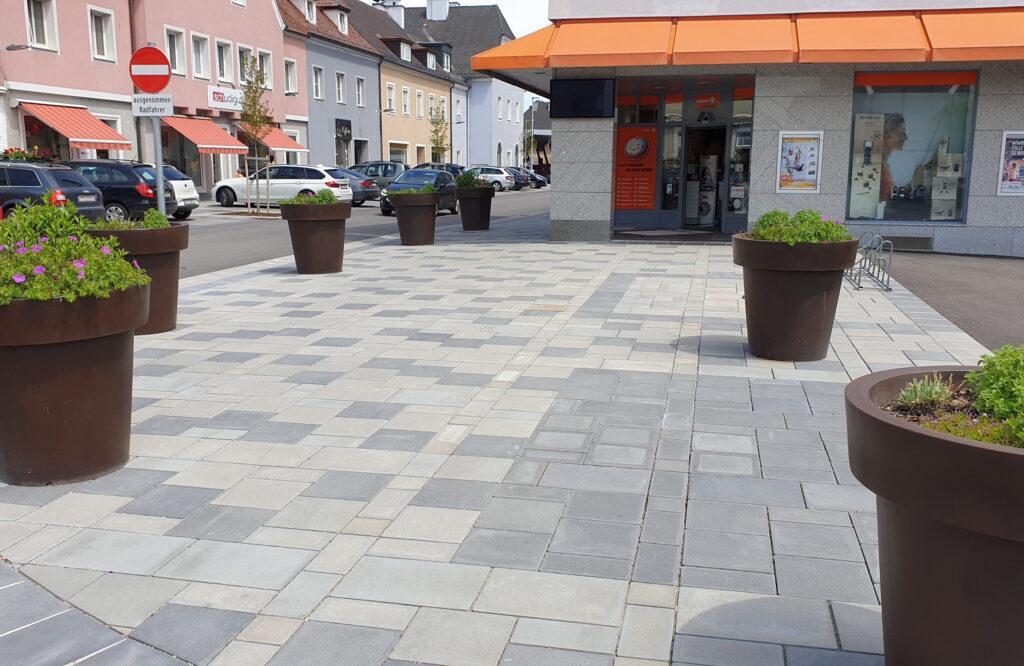 Betonpflaster Attnang Puchheim © Weissenböck/Ebenseer